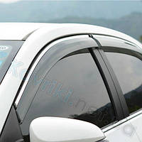 Дефлекторы окон (ветровики) Toyota Hilux 7(2010-2014) с хромированным молдингом