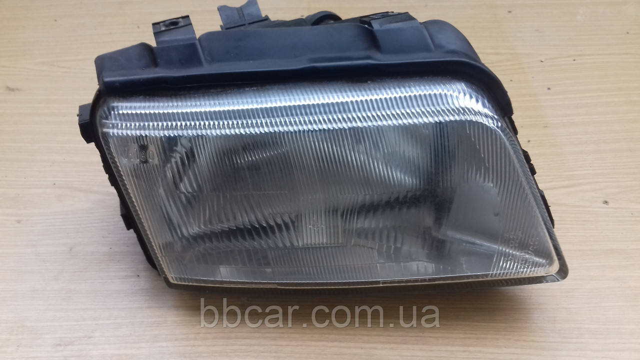 Фара Audi A-4 Automotive Lighting 1305621665     ( R )