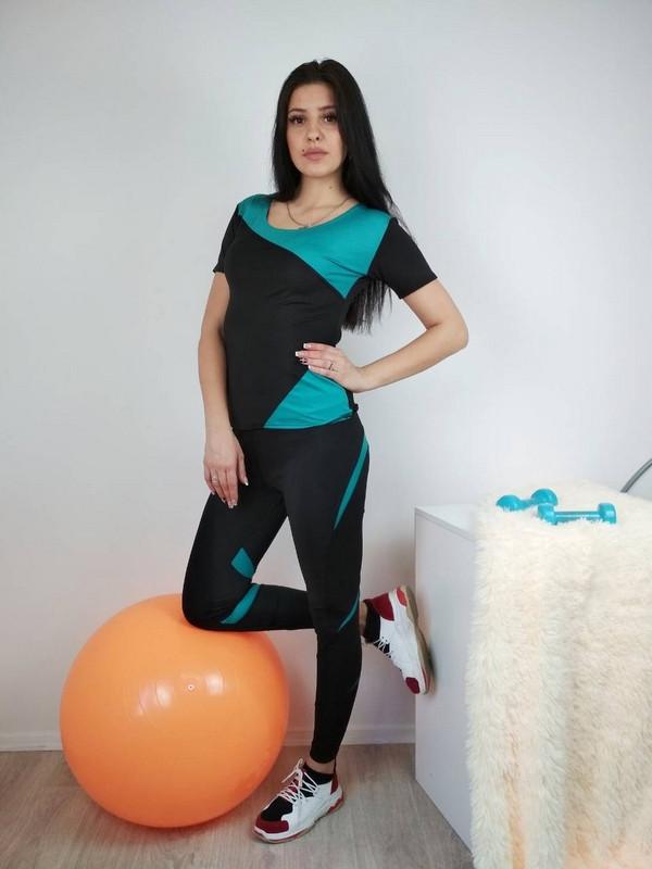 Спортивный комплект для фитнеса с зелеными вставками 42-48 р