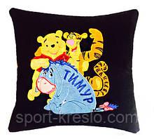 Подушка дитяча сувенірна з вишивкою Вінні-Пуха