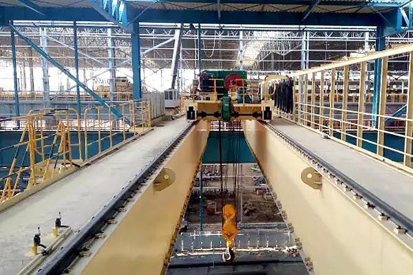 Мостовой кран для непрерывного литья. Литейный кран