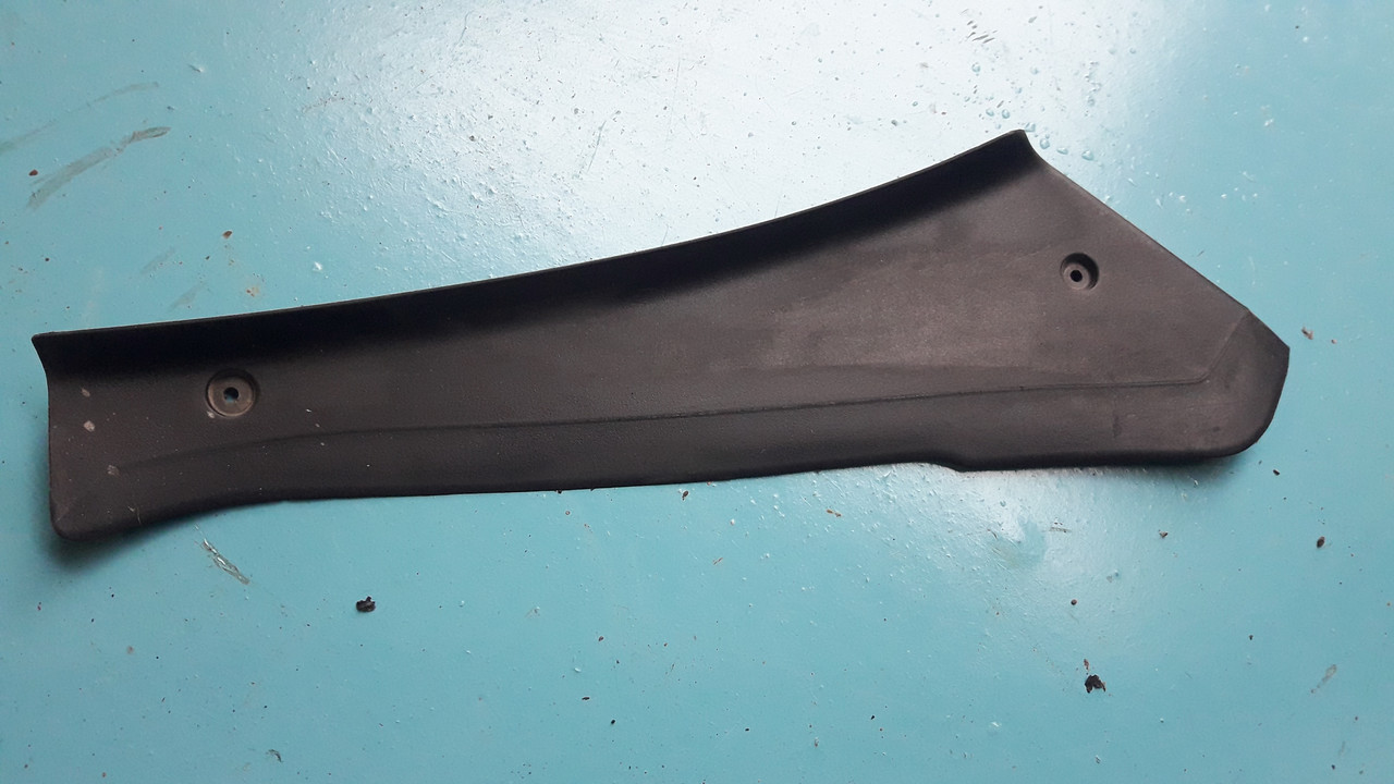 Щиток защита крышка заднего правого фонаря бмв е39 туринг bmw e39 touring 51718218926