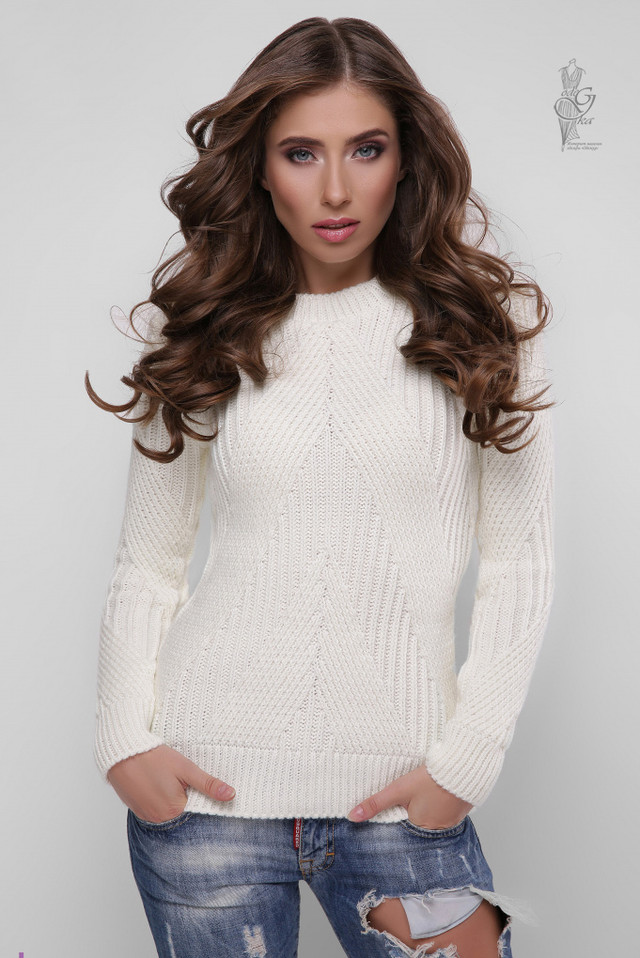 Цвет молоко Вязаного женского свитера Велия