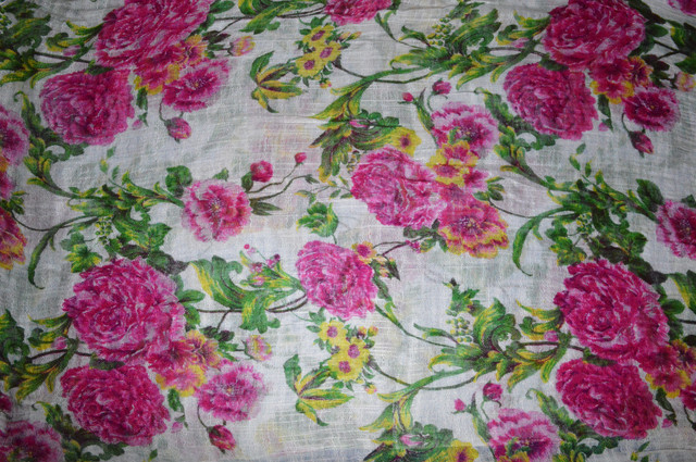 Розовый льняной шарф с пионами фото 3