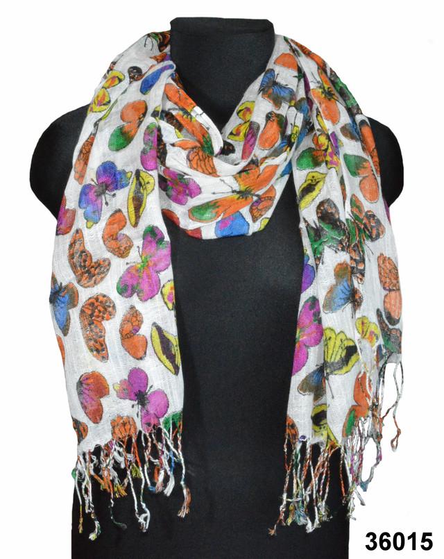 Белый льняной шарф с орнаментом бабочки фото 1