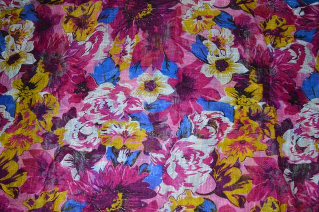 Льняной шарф с цветами маджента фото 3