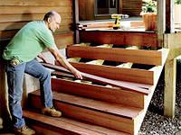 Устранение сколов в деревянных лестницах