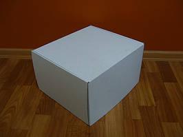 Картонная коробка 420х300х190 белая