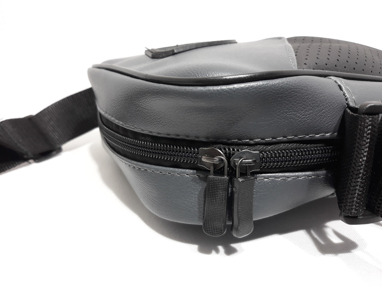 57d7d0554869 Мужская сумка Puma ferrari на каждый день реплика люкс качества 2х  компонентная кожа PU, цена 243 грн., купить в Умани — Prom.ua (ID#779050664)