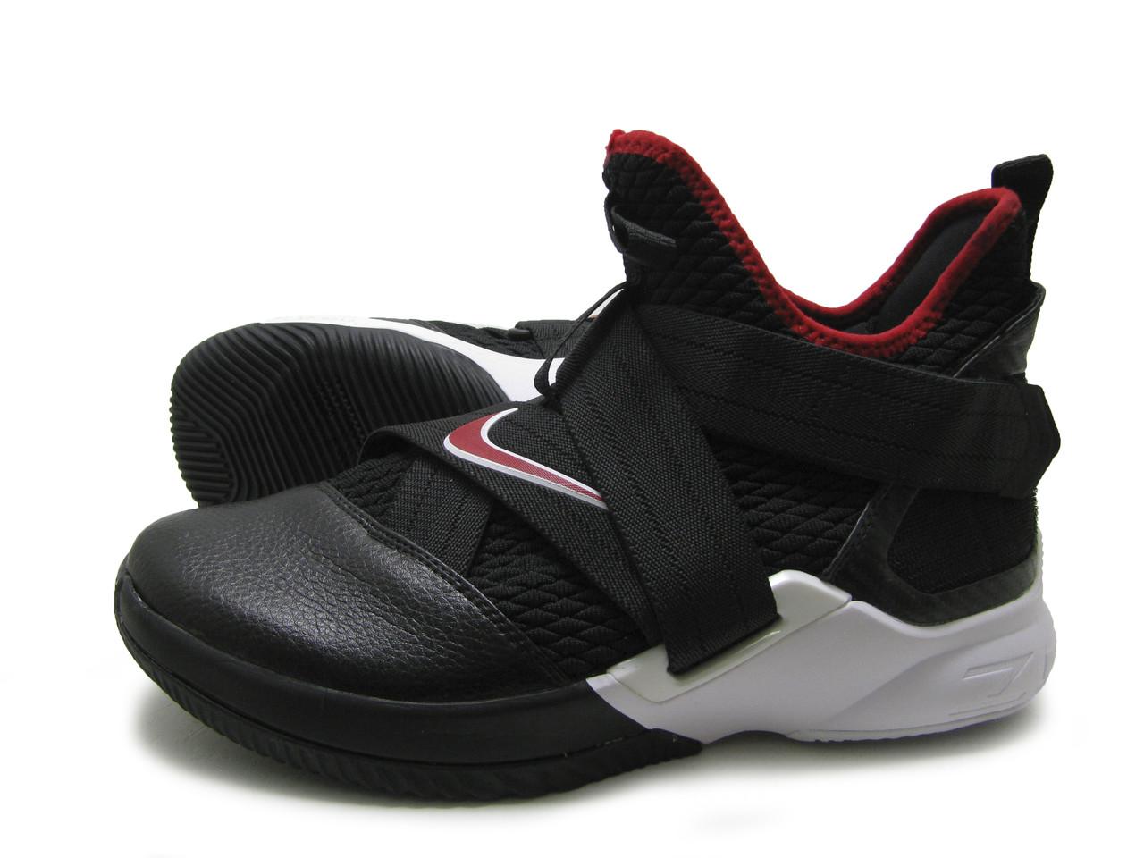Кроссовки мужские Nike Lebron Solder черно-белые, реплика
