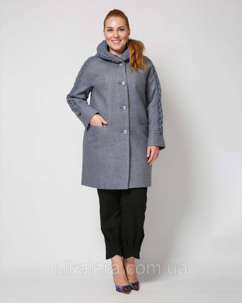 Женское деми пальто с декором вязкой и с капюшоном рр 50-58