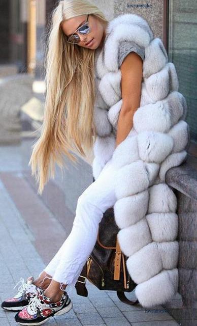 Меховые жилеты, безрукавки женские, меховые куртки, шубы