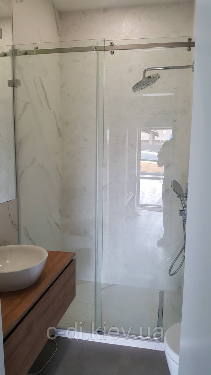 Стеклянная раздвижная перегородка в ванную