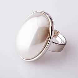 """Кольцо жемчуг Майорка гладкая оправа """"С"""" овальный камень 2,6*2,0см без р-р"""