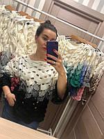 Оригинальный черно-белый свитер крупной вязки