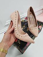 Туфли лодочки с шипами на шпильке пудра, фото 1