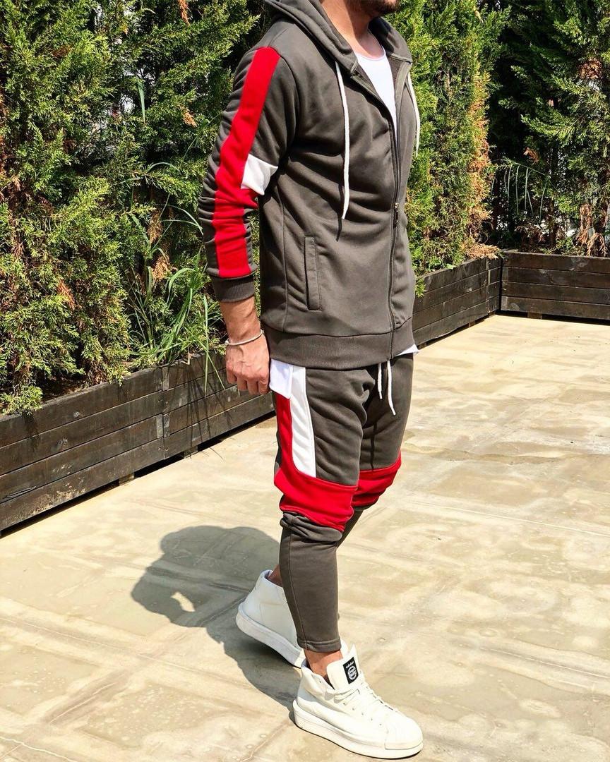 Мужской спортивный костюм коричневый