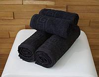 Черное махровое полотенце с греческим бордюром 70х140 см.