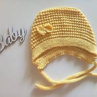 Чепчик для новонародженої дівчинки желтый