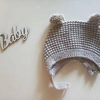 Чепчик для новонародженої дівчинки бежевый