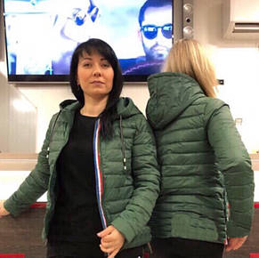 Красивая демисезонная женская куртка с капюшоном., фото 2