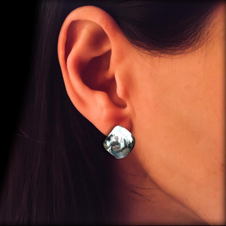 Серебряные серьги квадратной формы
