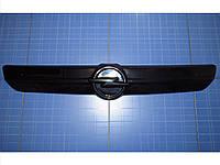 Заглушка решётки радиатора Опель Виваро верх 2001-2006 глянец Fly. Утеплитель решётки радиатора Opel Vivaro