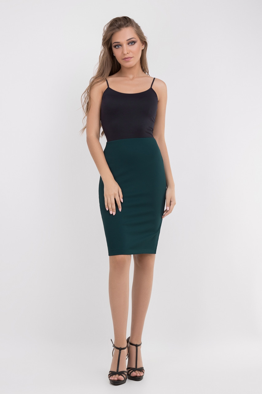 Модная юбка -карандаш бутылочного цвета
