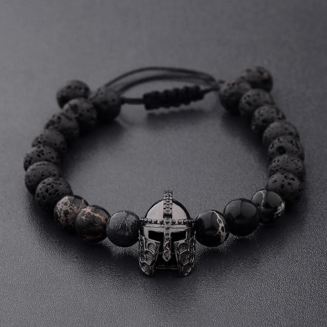 Кожаные и каменные браслеты