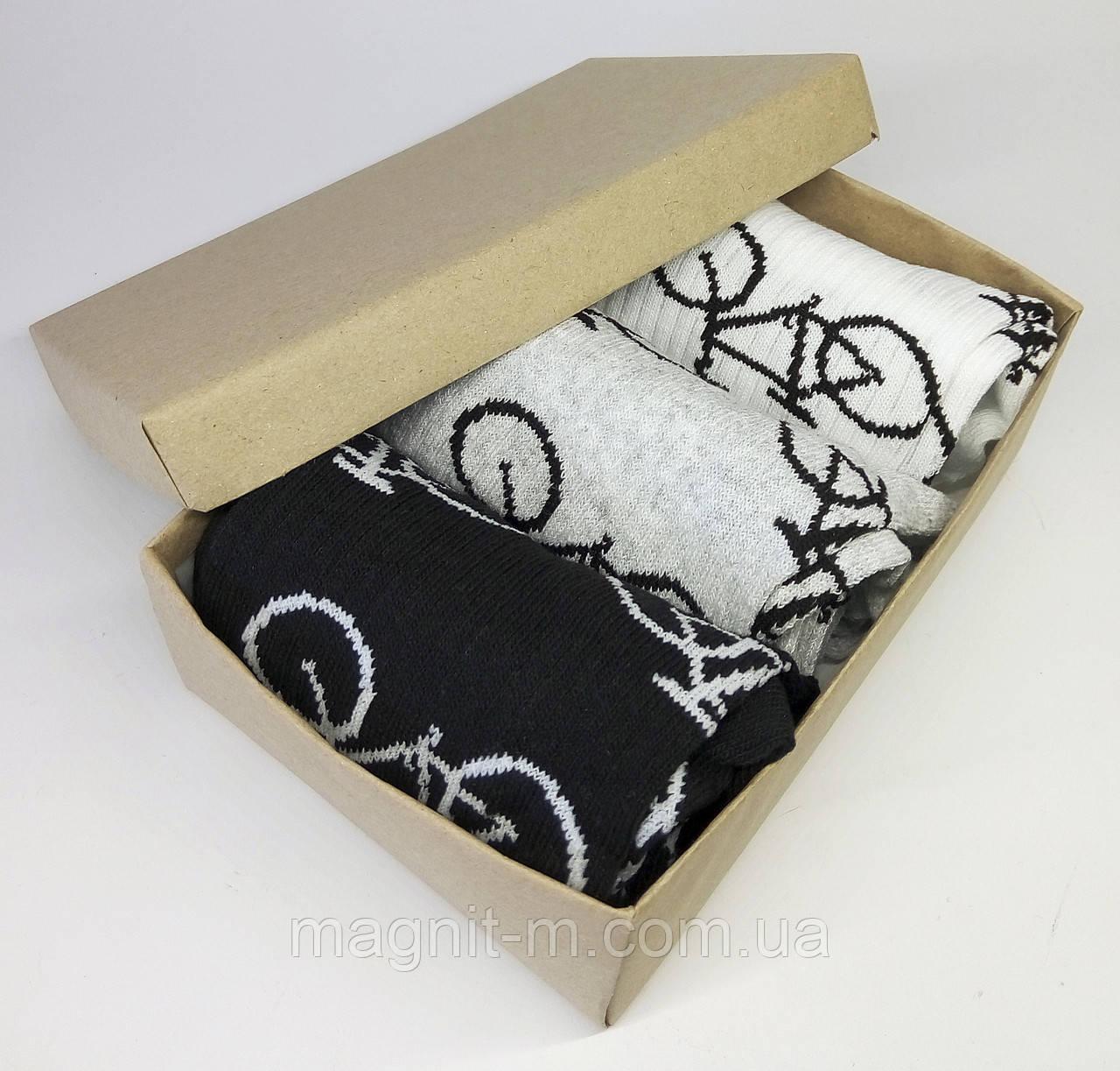 Набор мужских носков в подарочной картонной коробке. Велосипеды