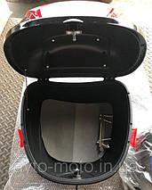Кофр / багажник чорний пластиковий міцний з шоломом, фото 3