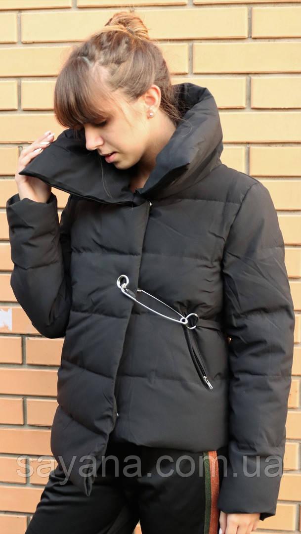Женская утепленная куртка с декором в расцветках. БР-11-0918