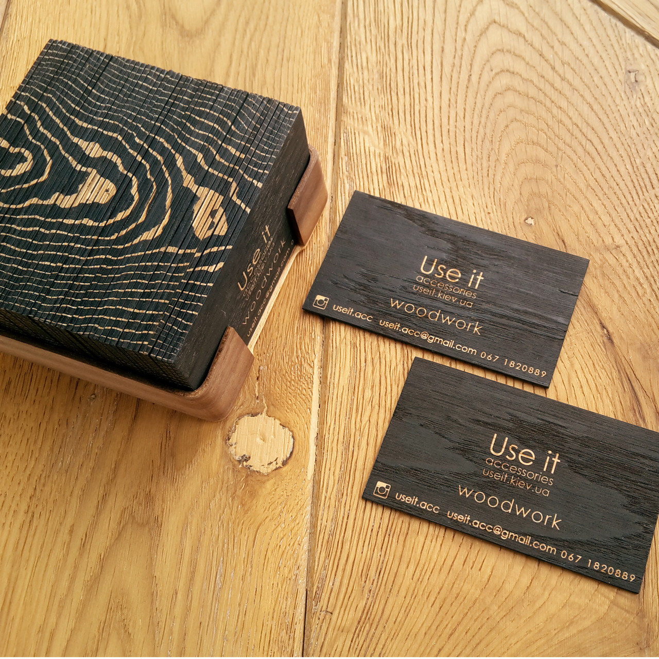 """Визитки деревянные из шпона дерева премиальной серии """"Black Oak"""" 100 штук, фото 1"""