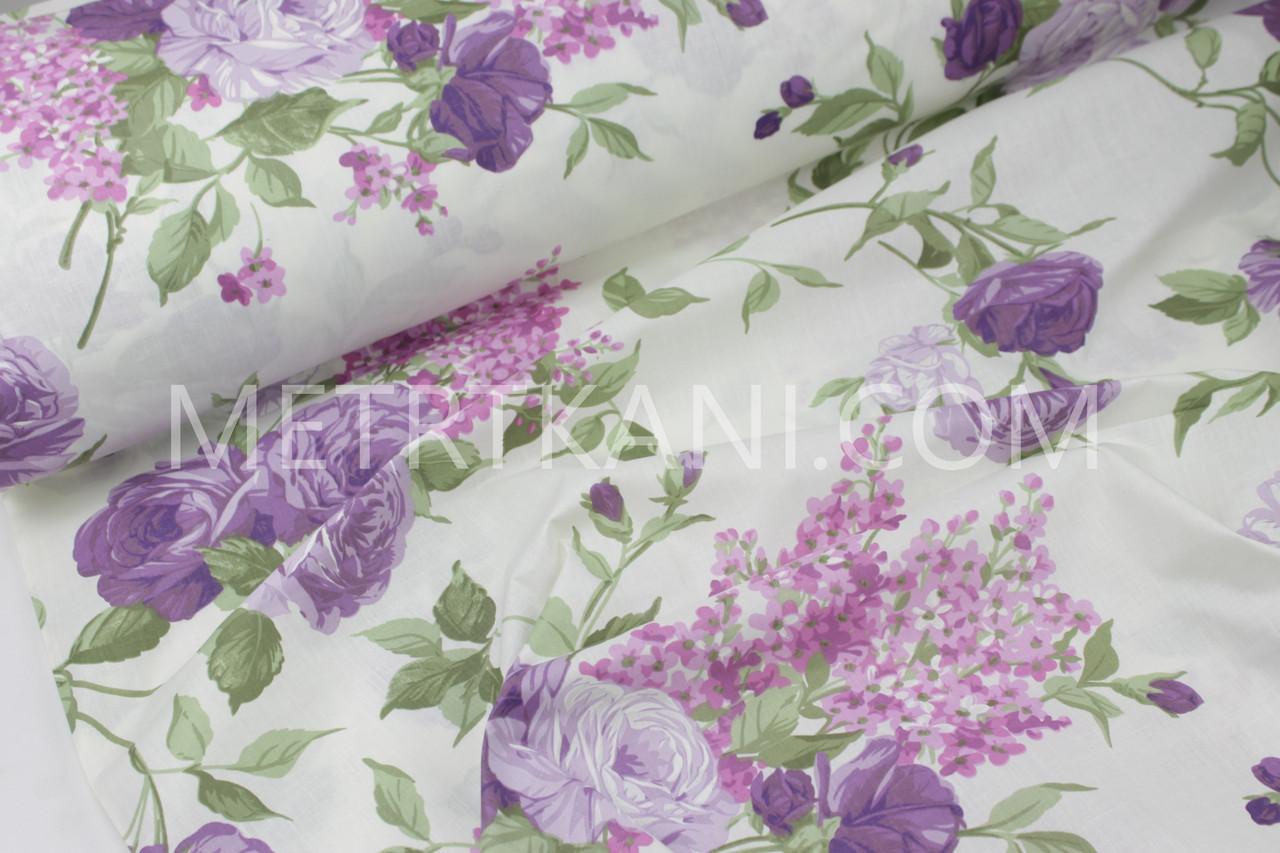 """Ткань хлопковая   """"Букеты роз""""  сиреневого и фиолетового цвета фон  айвори №1213"""
