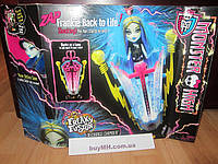 Набор Monster High Freaky Fusion Recharge Chamber Frankie Stein Doll Станция подзарядки Фрэнки Штейн