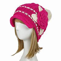 Вязаная шапка розовая с цветком
