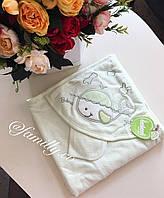 Полотенце уголок для новорождённых для купания зелёный