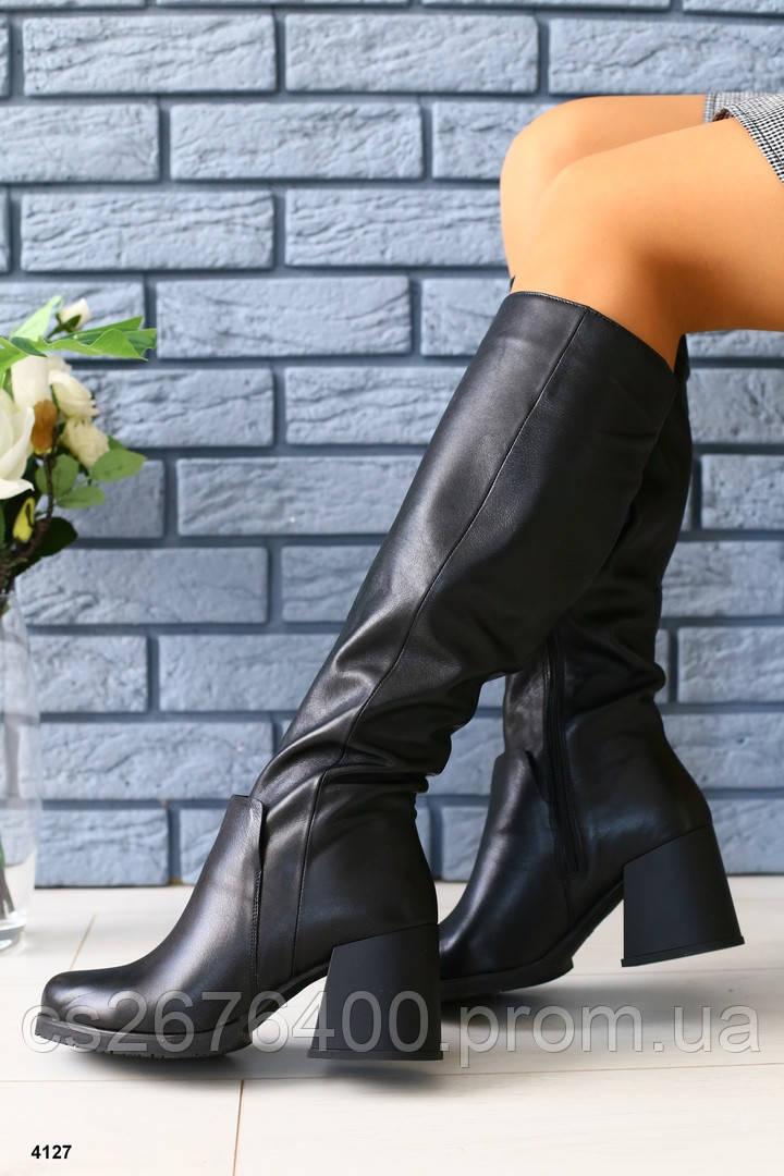 Женские сапоги на широком каблуке