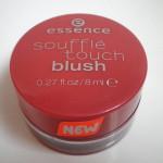 Essence румяна soufflé touch blush, фото 1