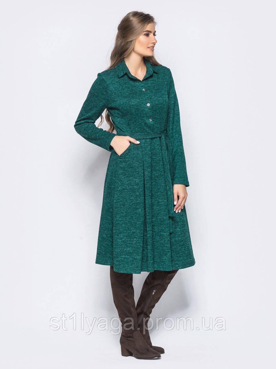 Комфортное трикотажное платье в стиле casual с накладными карманами и поясом зеленое в комплекте
