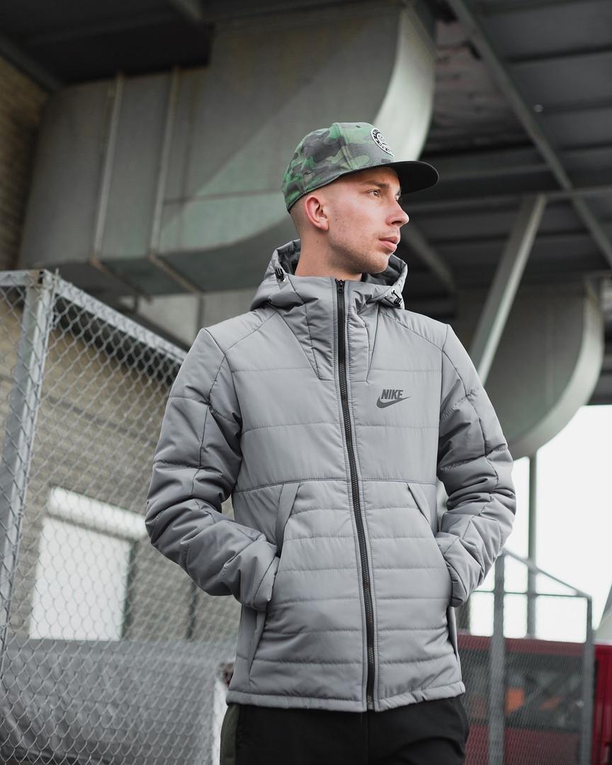 Курточка зимняя на тинсулейте Nike, серая