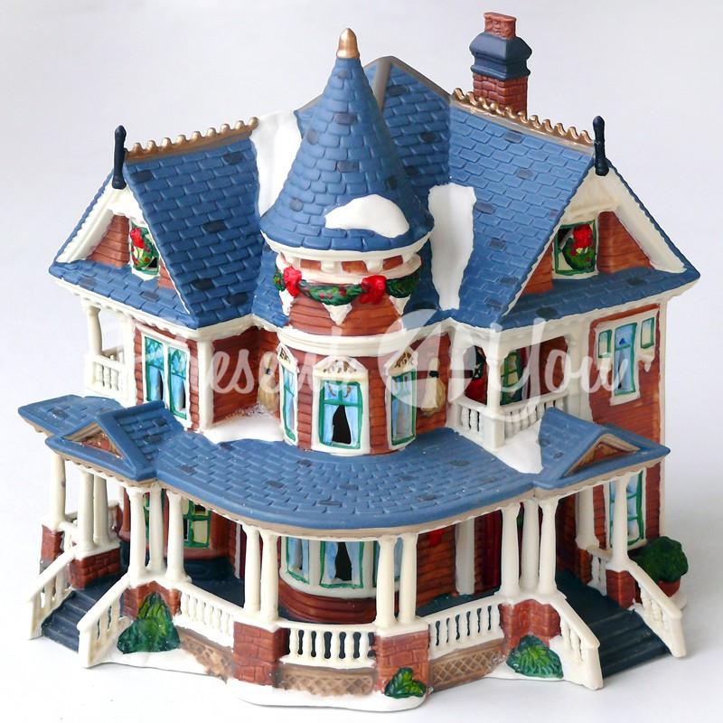 Новогодний декор домик, фарфор, с диодной подсветкой, h-21x19x18 см.