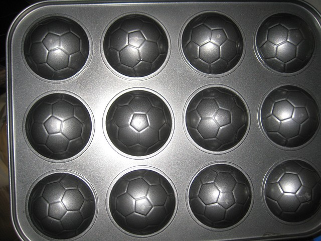"Форма для выпечки ""Мячи"" 12 шт(код 00378)"