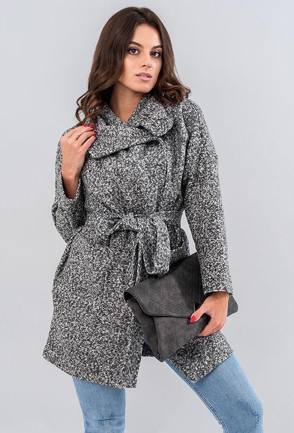 Женское пальто на запах серого цвета. Модель 19548, размеры 42-48
