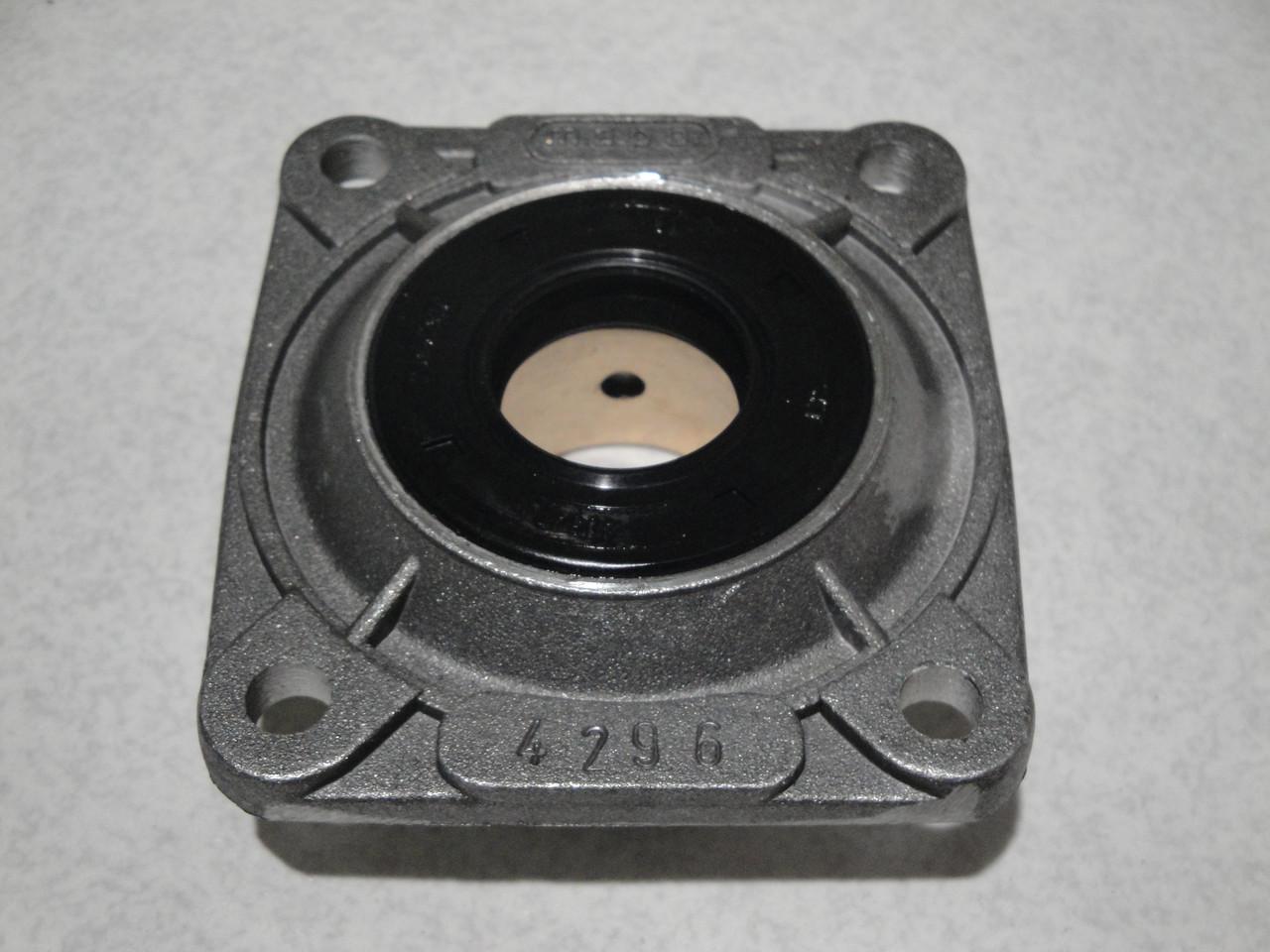 Крышка компрессора передняя с сальником БОГДАН A091-A092 (MO076.270) MAPO
