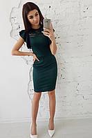 e66a75d84a1 Темно-зеленое платье с рукавами-крылышками и гипюровой вставкой