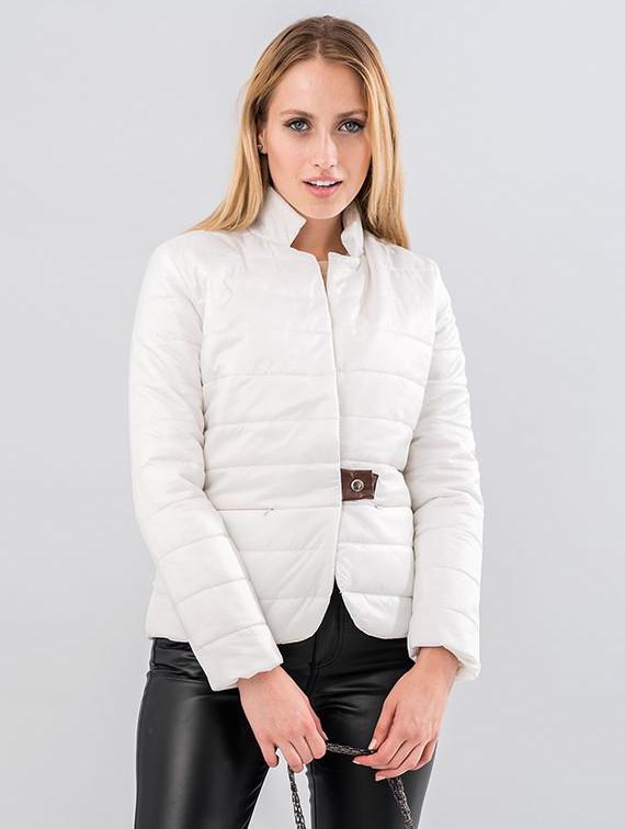Женская короткая стеганая куртка белого цвета. Модель 19555. Размеры 42-46