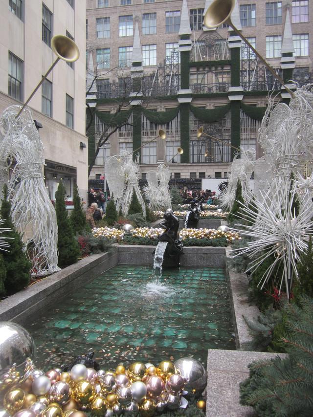 Раздел Термобелье - фото teens.ua - Нью-Йорк,Рокфеллер Центр,сквер у магазинов,Новый год
