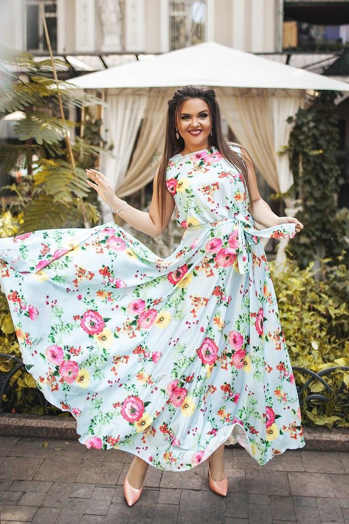 4d4530b16ee Длинное шелковое платье в цветочек