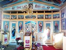 Иконы из пвх в иконостасе и на потолках храма